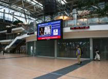 kauppa-design-Hamburg airport Halbnah_rechts